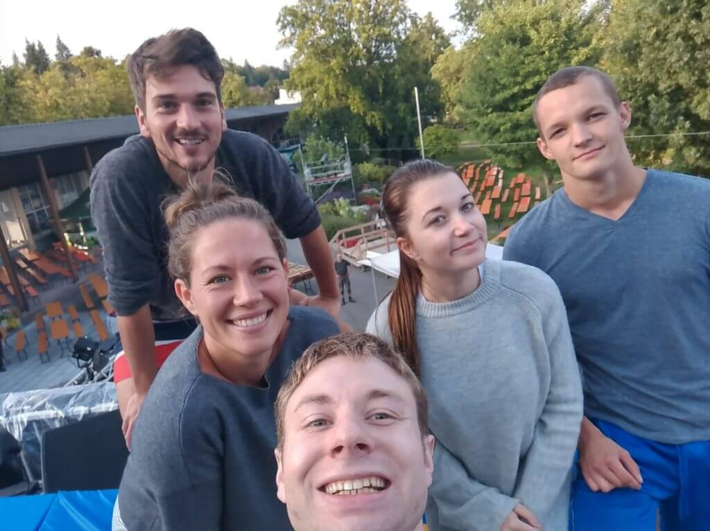 Show Team Selfie