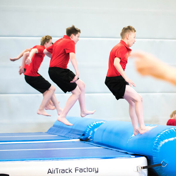 Koordinations und Absprungübungen mit AirTrack